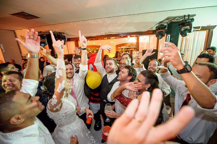 Casamento de Thaís e aAndré na Igreja de Santo Inácio - Botafogo-RJ